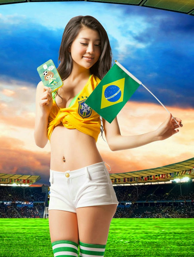 Dàn mỹ nhân sexy chào đón World Cup cùng vỏ smartphone