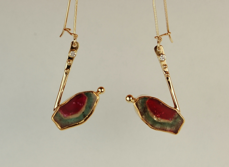 Drop earring with multi colored natural shaped tourmalines
