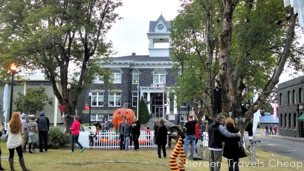 Shereen Travels Cheap: The Real Halloweentown