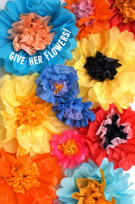 How to make beautiful 2 color tissue paper flowers! Super easy and beautiful results. Great for kids to make and give to someone special in their lives!