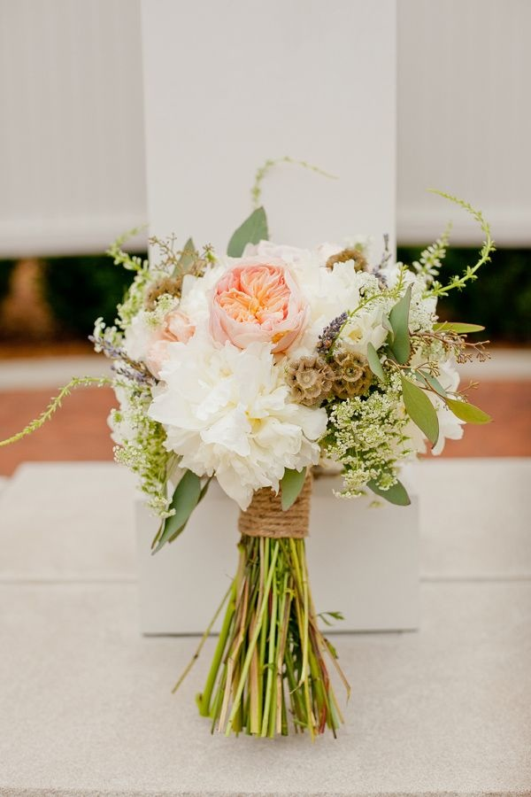 Making your own rustic Flower Bouquet | Glamour Coastal Living