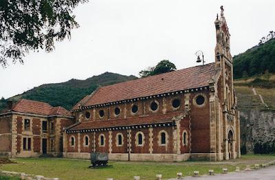 Iglesia de San Salvador de Bustiello, Mieres