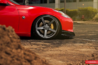 Nissan 370Z on Vossen CV3 Wheels