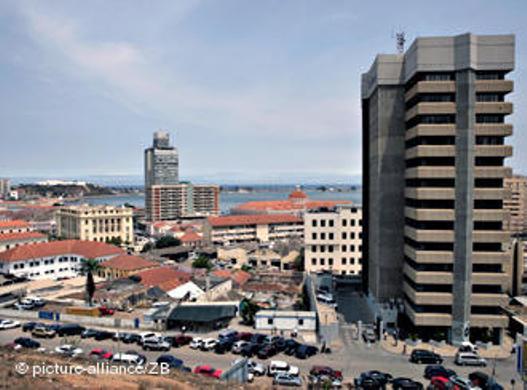 Angola: DETIDOS À PORTA DO TRIBUNAL DE LUANDA VÃO A JULGAMENTO NA TERÇA-FEIRA