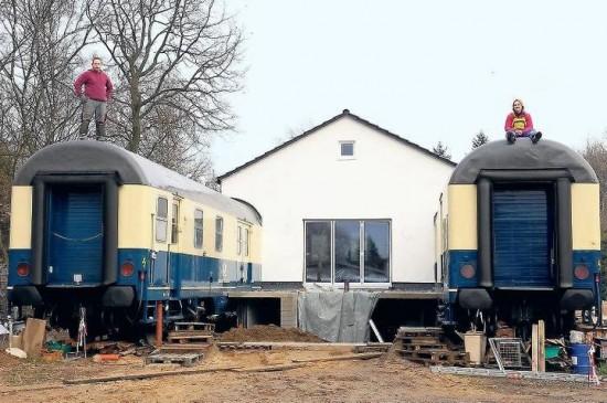 Sammi 39 s blog german couple convert train cars into for Car house
