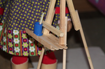 Make a Doll Easel