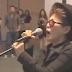 BIZARRO: Yoko Ono cantando Fireworks da Katy Perry
