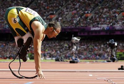'Blade runner' Oscar Pistorius doodt vriendin