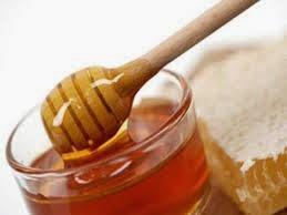 Trị mụn trứng cá hiệu quả bằng mật ong