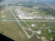 A 2005 aerial photo of the airport. (ottawainternationalairportcyow )