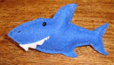 muñeco fieltro tiburón