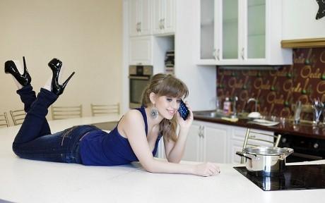 Foto-Foto Wanita Seksi 'Siksa' Galaxy Nexus