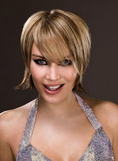Short Layered Hairstyles for Round Faces Girls