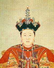 220px-Consort_Zhuang_in_court_costume_(detail).jpg (220×276)
