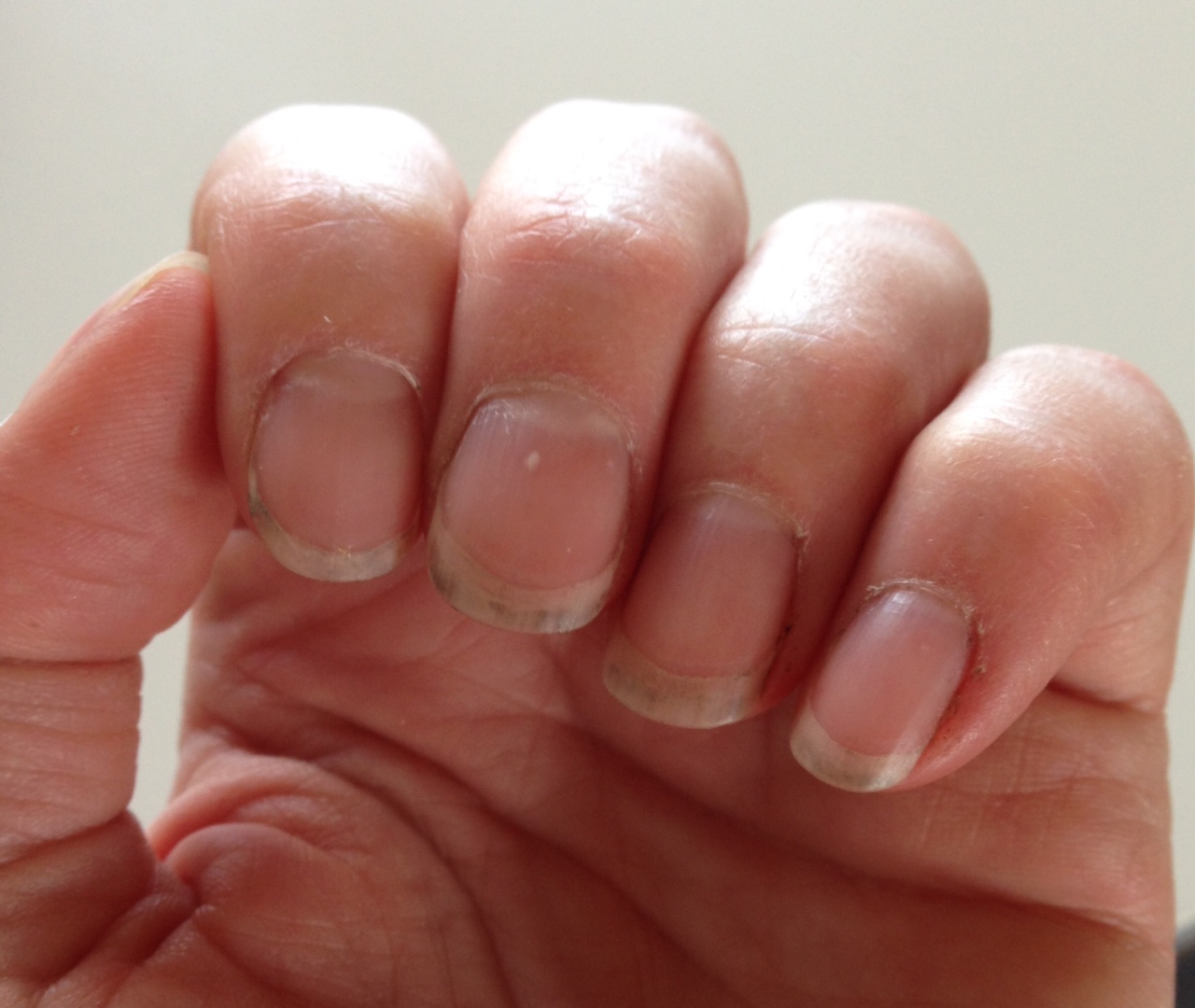 klippt nagel för kort