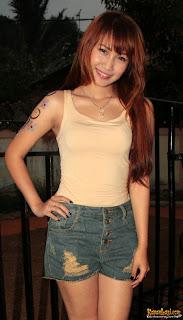 Foto Hot Artis Penyanyi Dangdut Cantik dan Seksi - Anehunique.blogspot.com