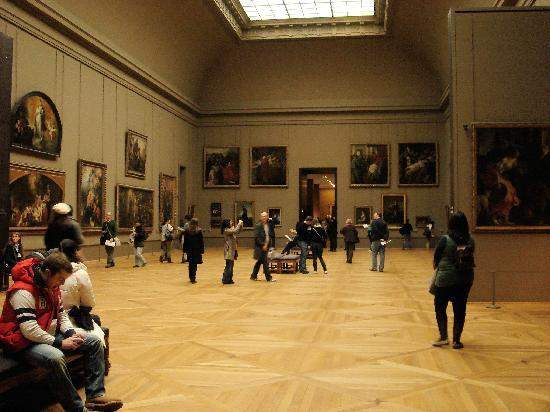 visit musee du louvre choice your holiday