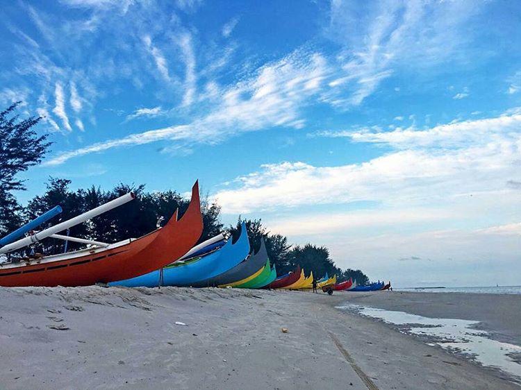 Wisata Pantai Serdang Belitung Timur