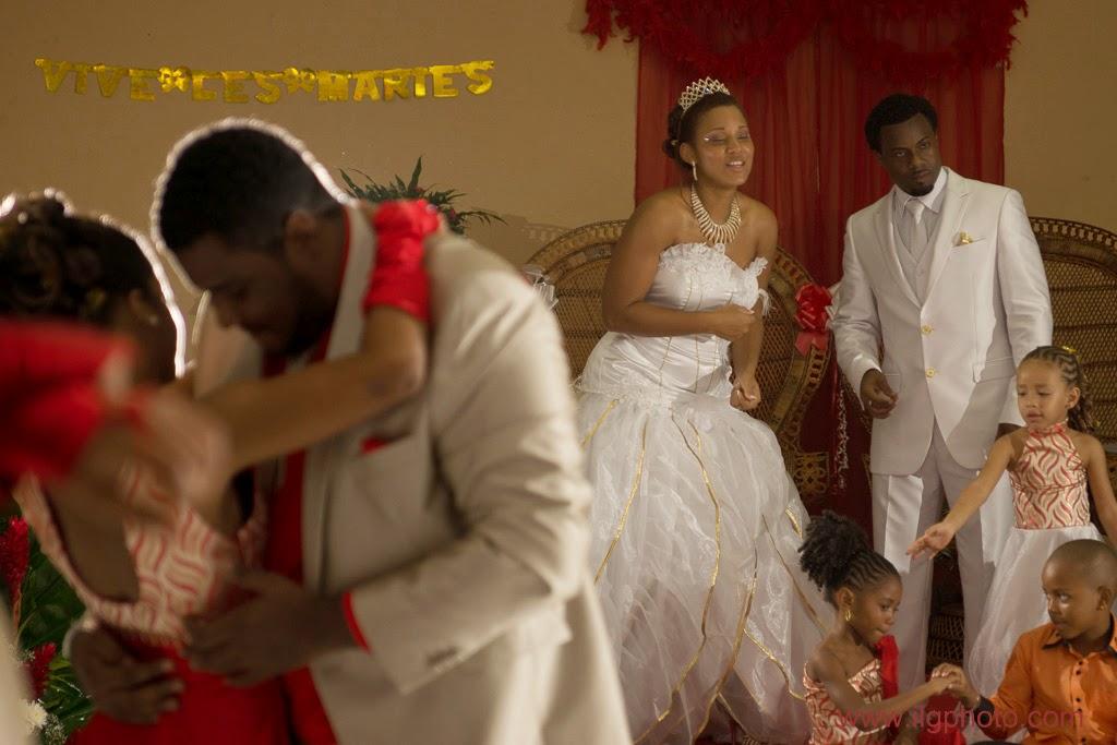Mariage de Steffy et Manuel: réception, on commence à danser
