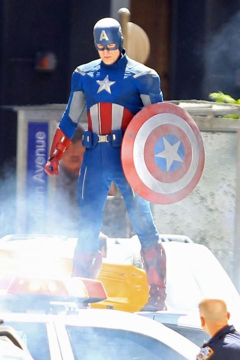 Captain America New Costume Photos !