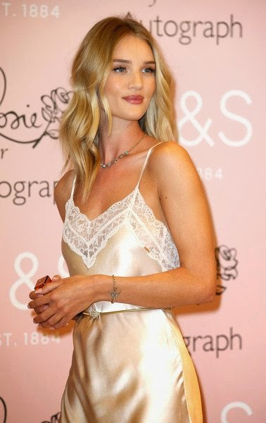 Rosie Huntington-Whiteley Hot Wallpapers