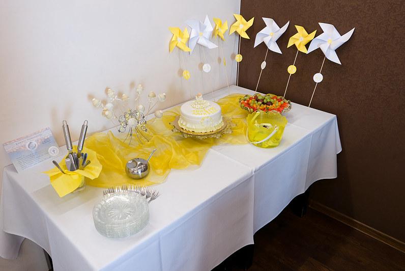 geltonos spalvos krikštynos