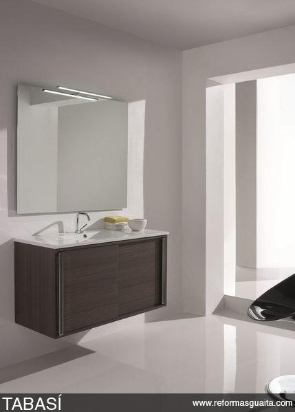 Puertas Correderas Para Un Baño:de un conjunto indivisible que incluye el mueble de baño con puertas