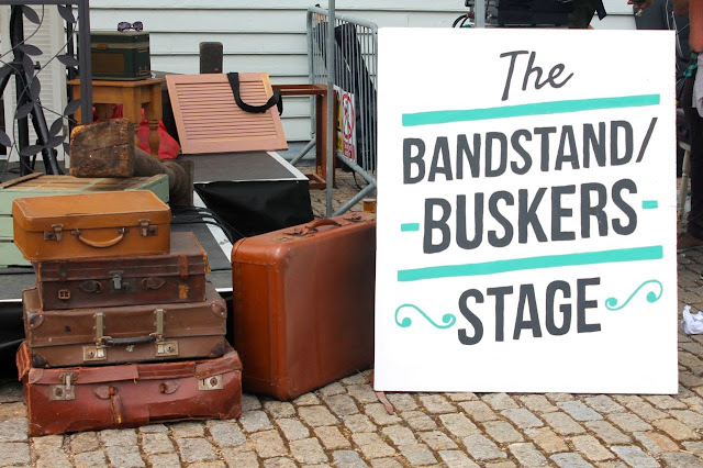 buskers stage