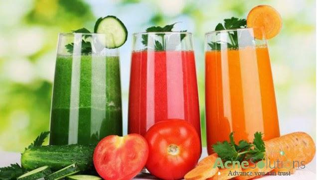 Bổ sung nhiều nước và hoa quả sẽ giúp da tránh được mụn cám