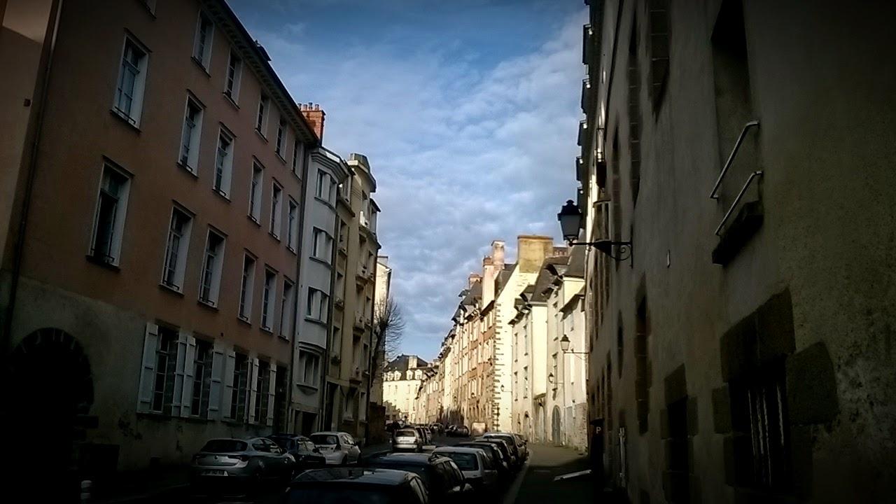 Le bas de la Rue Saint-Louis