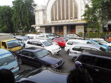 15.+Jakarta+Ferocious+Traffic.jpg