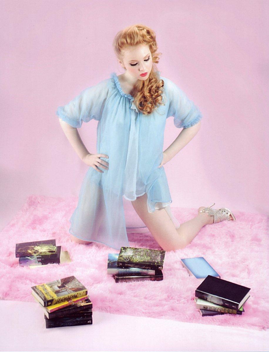 http://4.bp.blogspot.com/-UHiECM4tbpo/Ug_xBpYJaNI/AAAAAAAAtro/I25I3S2BdB0/s1600/Molly-Quinn4.jpg
