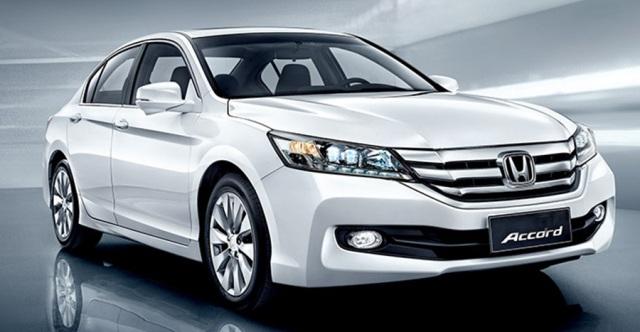Mobil Honda Accord 2015