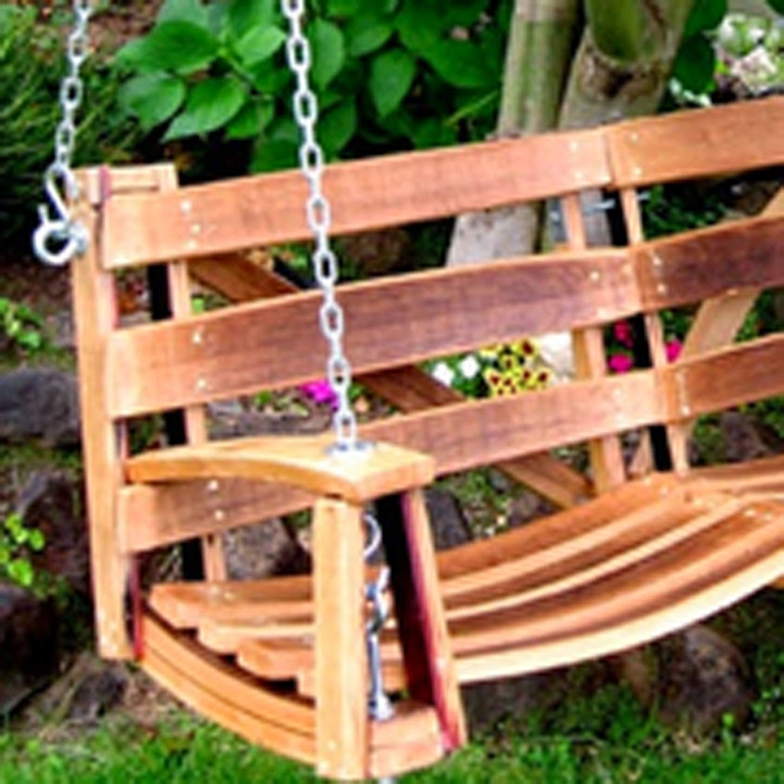 Botte diventa dondolo panchina poltrona da giardino fai for Laghetti da giardino fai da te