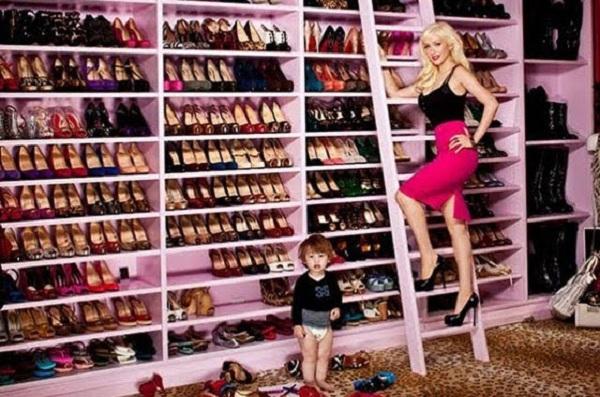 closet - wardrobe - roupas - quarto - decoração - christina aguilera