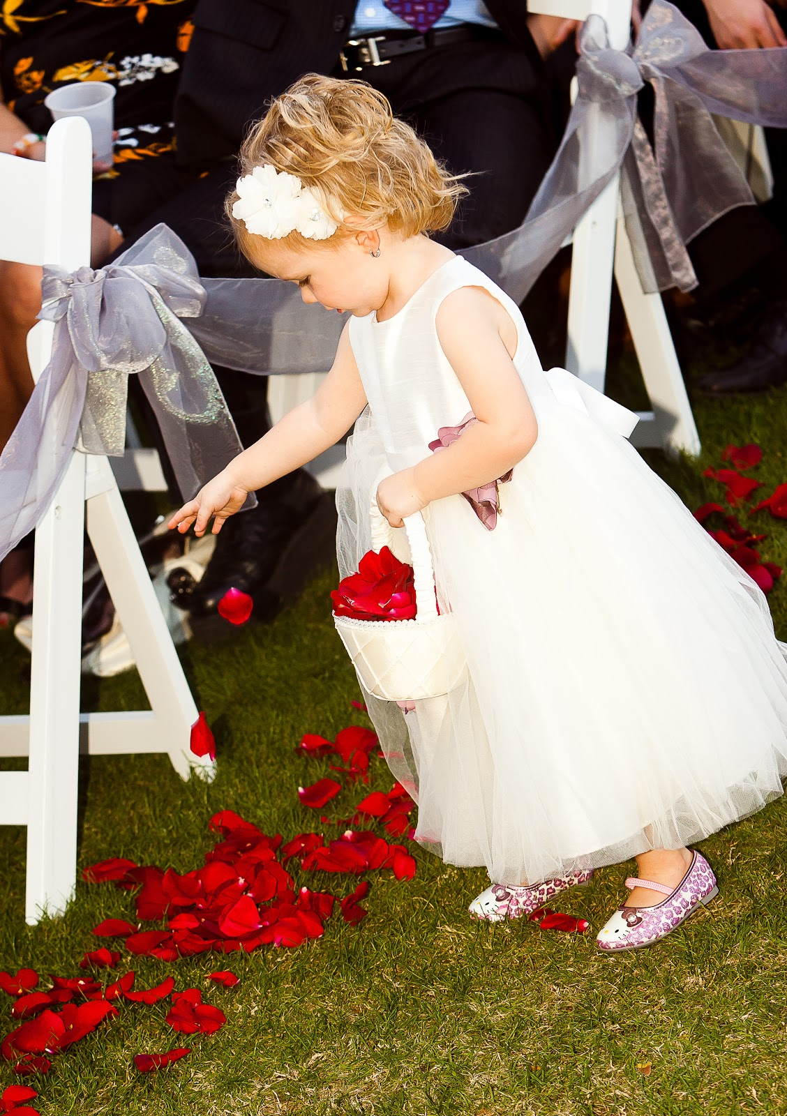 What To Consider When Having A Flower Girl In Your Wedding