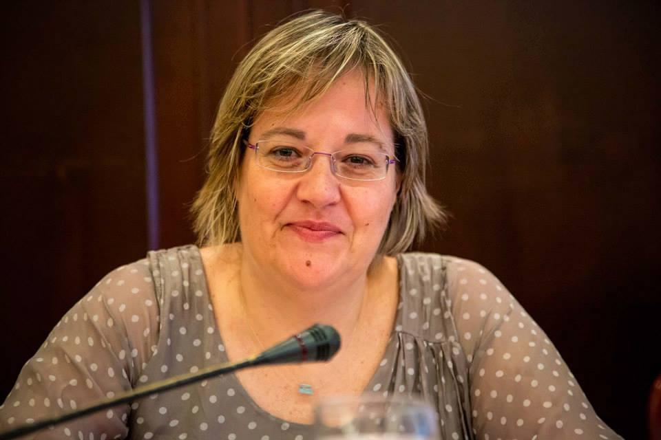Ανακατεμένη με τις ΜΚΟ ΚΑΙ ΤΟΥΣ G@Y η κυρά του ΣΥΡΙΖΑ που επιθυμεί την τιμωρία των τιμημένων ΟΥΚ