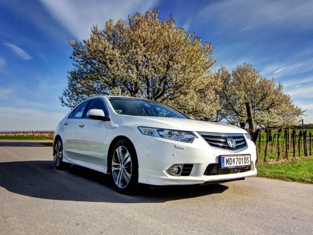 2013 Honda Accord 2,2 I-DTEC Type S - reviews - Top Car Zone