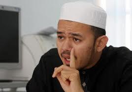 Ustaz FathuL Bari Mat Jahaya