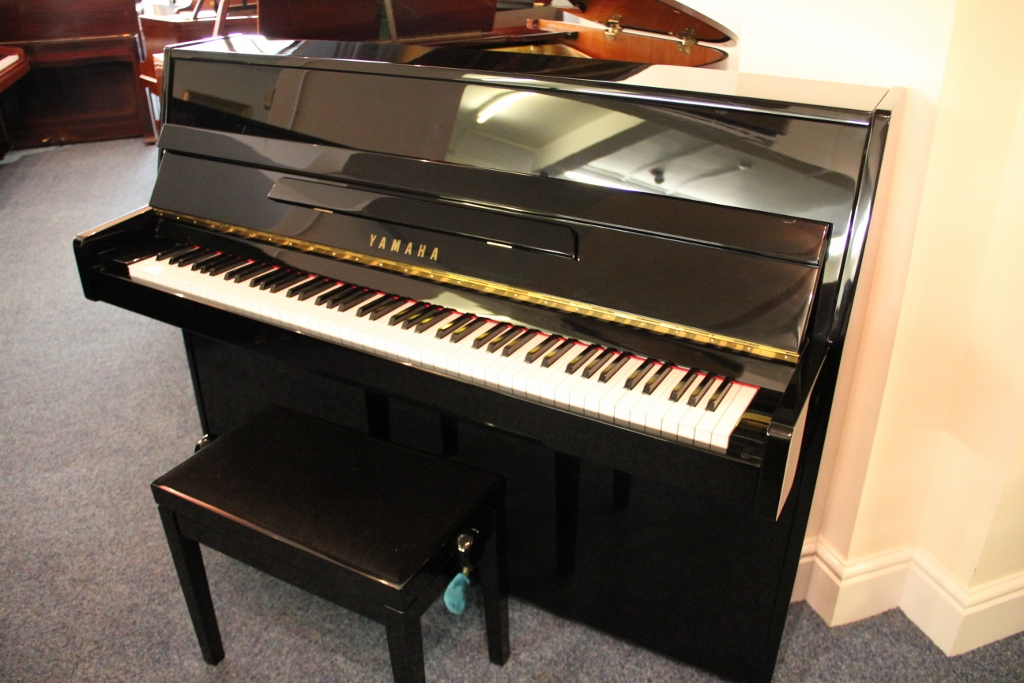 Beginner pianos for sale over 100 new used pianos in for Classic house piano