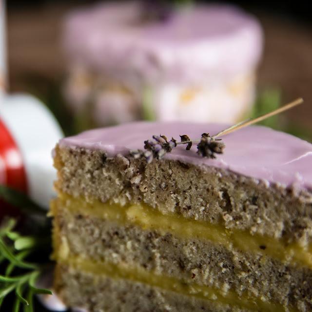 tort cytrynowy lawendowy migdałowy