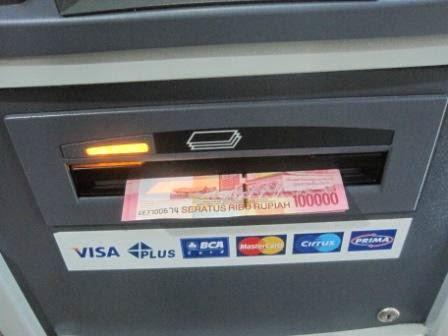 Solusi Saldo ATM Berkurang Tetapi Uang Tidak Keluar