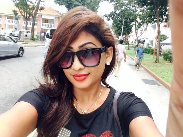Piumi Hansamali selfie hot