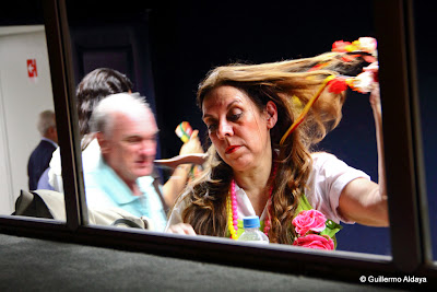 Coral Gerando Vozes, no camarim, by Guillermo Aldaya / PhotoConversa