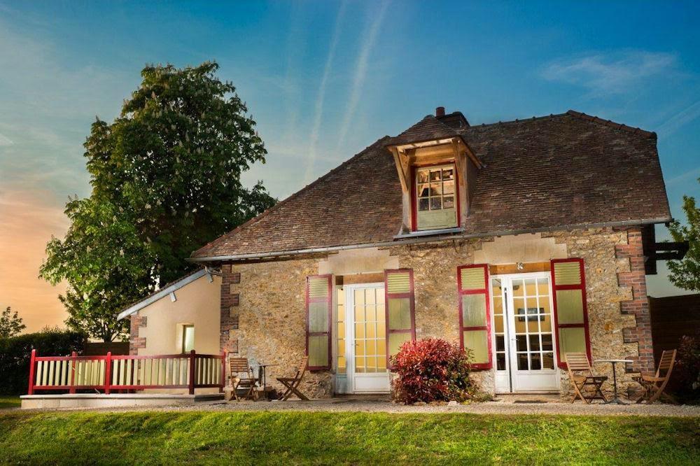 http://www.gites.fr/gites_chateau-de-la-louviere---le-pavillon-du-domaine_rambouillet_32412.htm