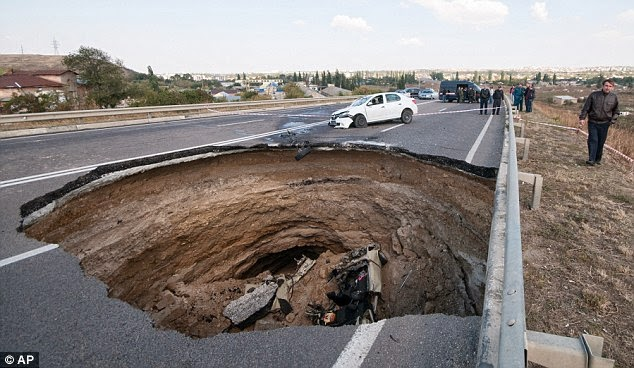 Sinkhole in Crimea Kills 6, Including Two Toddlers; Two More Children Seriously Injured