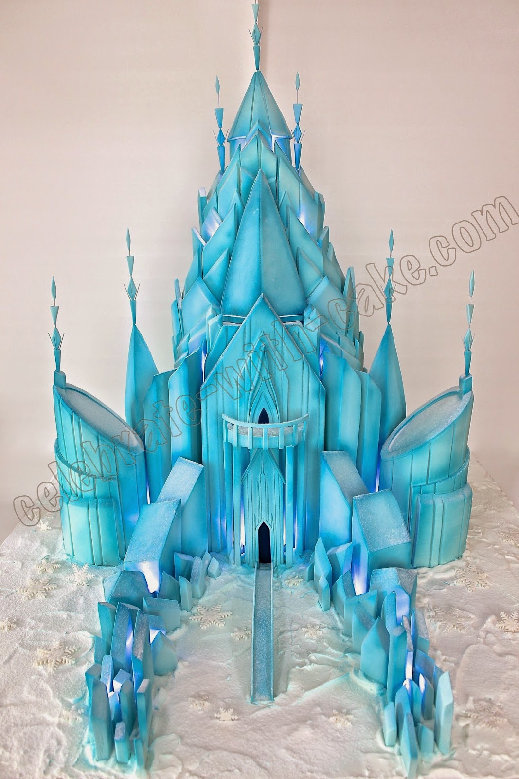 3d sculpted frozen castle cake - Chateau de la reine des neige ...