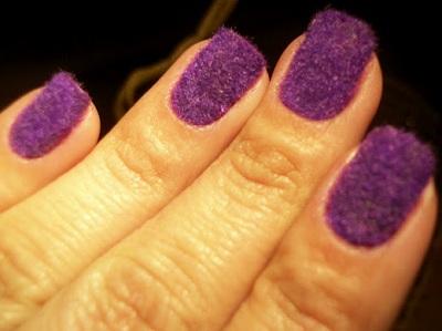 unhas-flocadas-ou-plush-nails-2012-brasil.jpg (400×299)