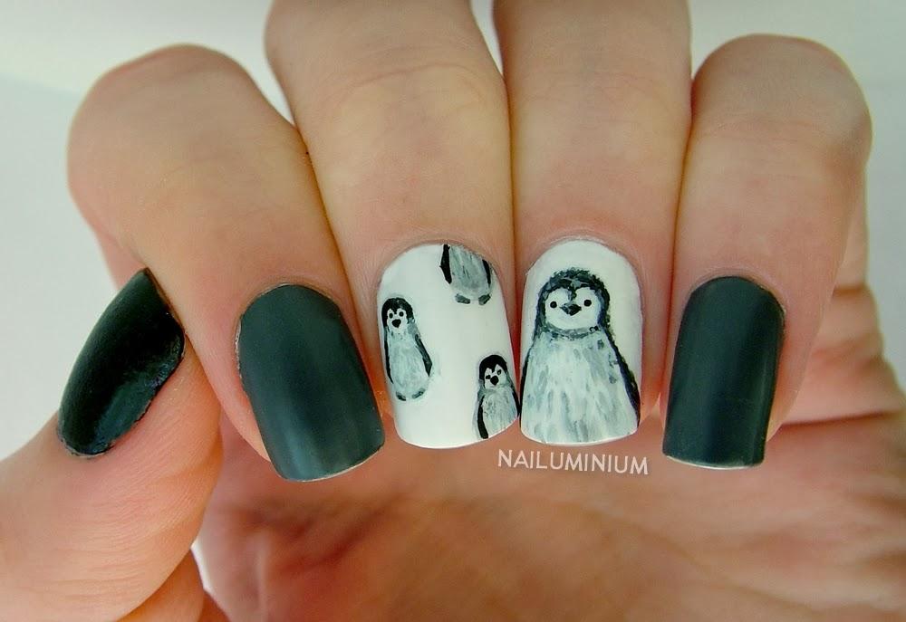 Nailuminium: Baby Penguin Skittlette