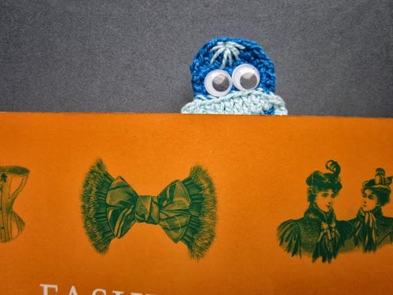 Crochet marcalibros